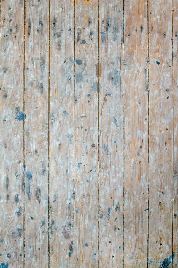 Scaffali di legno d'annata in vecchio granaio 1/2 fotografia stock libera da diritti