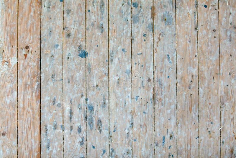 Scaffali di legno d'annata in vecchio granaio 2/2 immagini stock