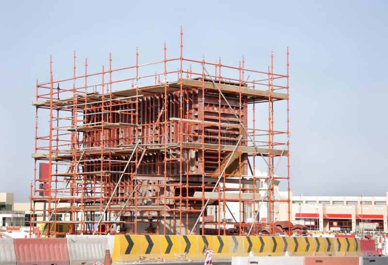 scaffold för stålar för brorollbesättningkolonn insitu arkivbilder