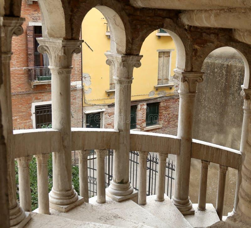 Η σκάλα ή Scala Contarini del Bovolo Bovolo, είναι η πιό ψηλή σπειροειδής σκάλα της Βενετίας στοκ φωτογραφία