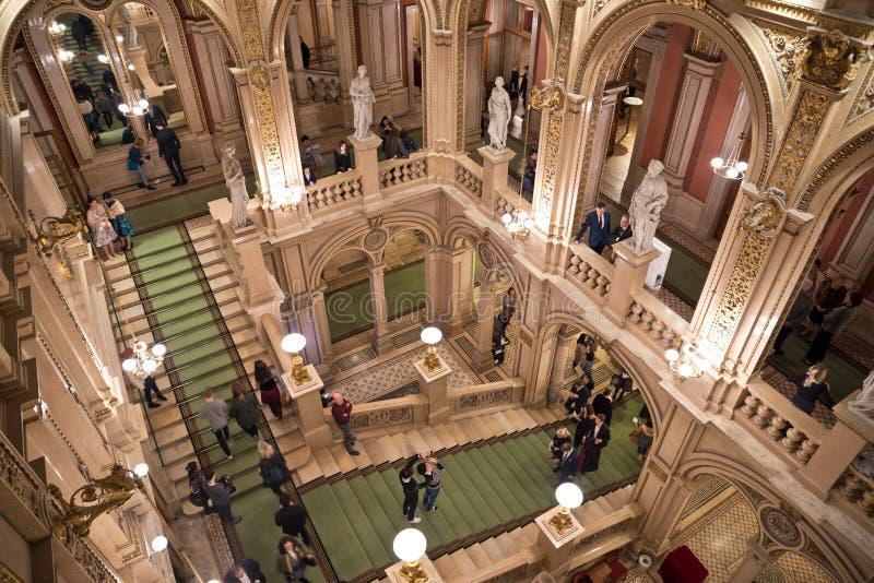 Scala dell'interno di Staatsoper della salciccia fotografia stock libera da diritti