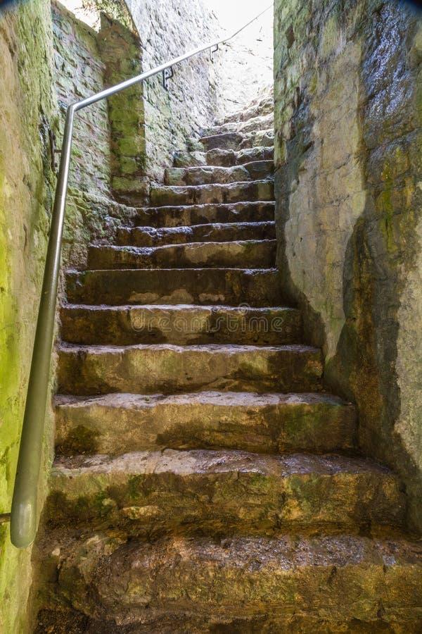 Scala di pietra in castello fotografie stock