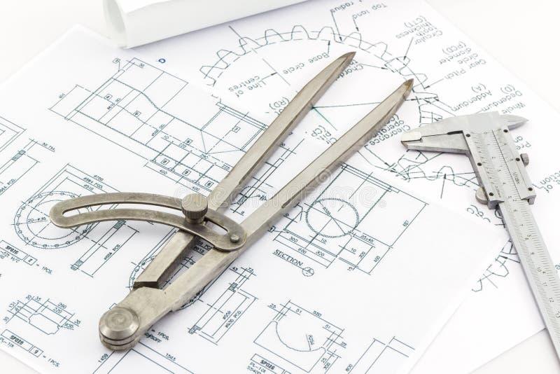 Scala a nonio dello strumento dei divisori di ingegneria e fotografie stock