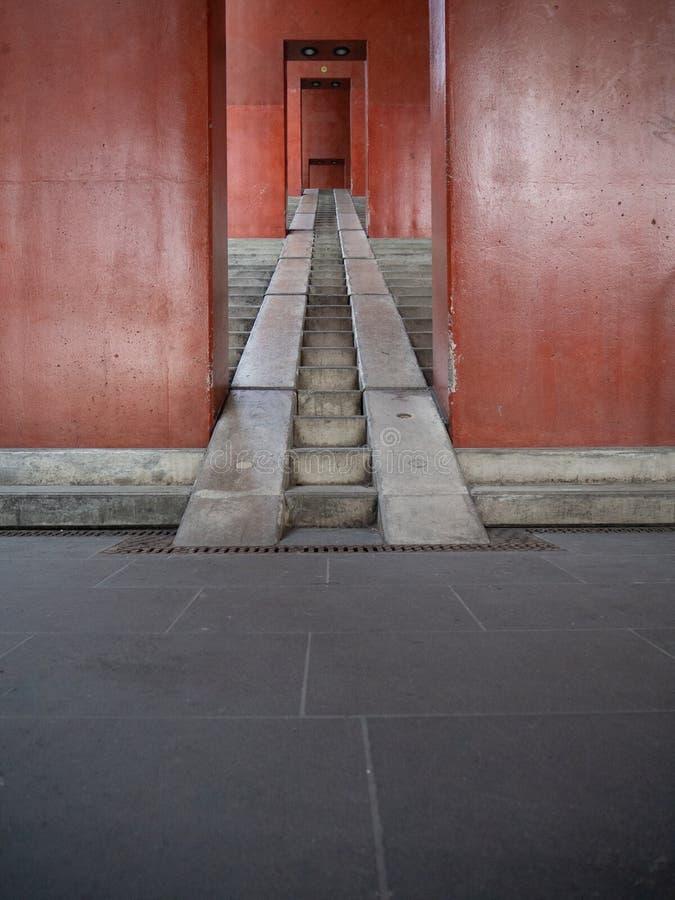 Scala rossa urbana nell'arena di Colonia Lanxess fotografia stock libera da diritti