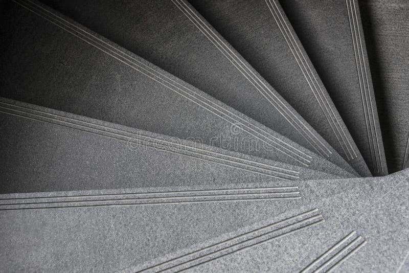 Scala a spirale moderna Interno lussuoso a casa o costruzione fotografia stock