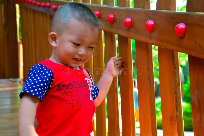 Scalata dei bambini fotografie stock libere da diritti