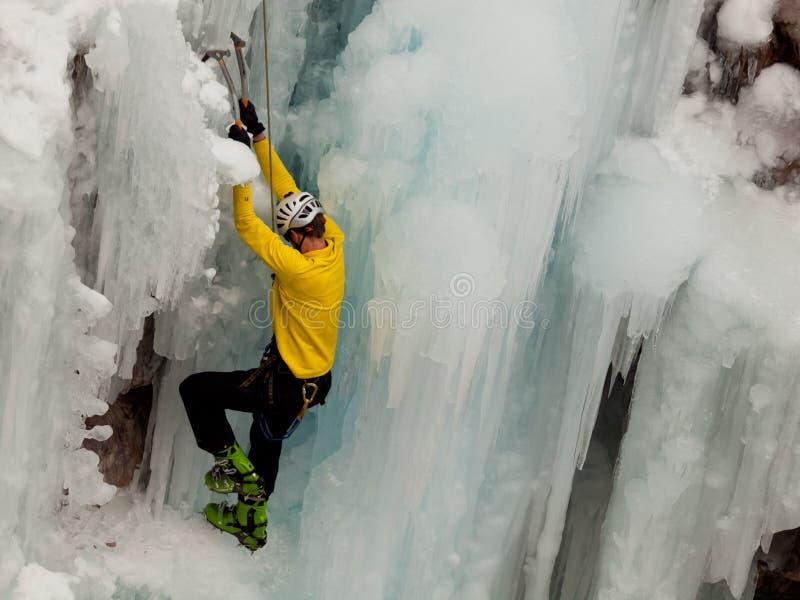 Scalata del ghiaccio fotografie stock libere da diritti