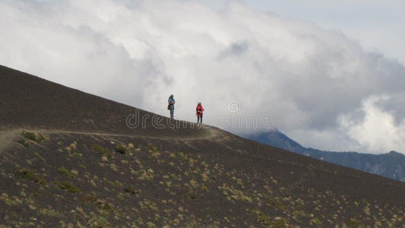 Scalata del vulcano dell'Osorno, camminante nel lago del ` s del Llanquihue fotografia stock libera da diritti