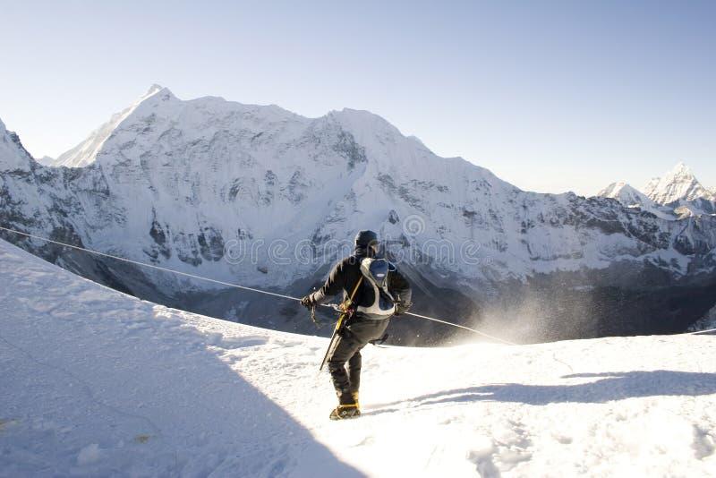 Scalatore alpino - Nepal fotografia stock libera da diritti