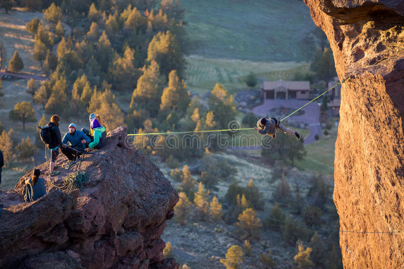 Scalatori a Smith Rock State Park fotografia stock libera da diritti