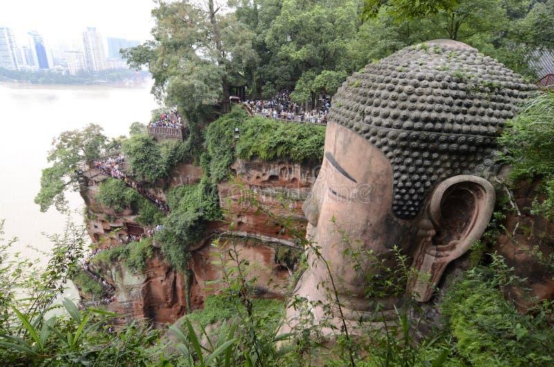 Scale di Cliffside al lato di Leshan grande Buddha immagine stock