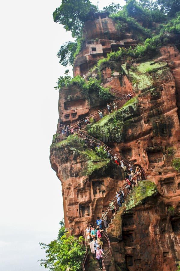 Scale di Cliffside al lato di Leshan grande Buddha immagini stock libere da diritti