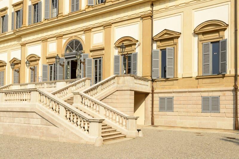Scale esterne alla villa reale monza italia fotografia stock immagine di monumental antico - Foto scale esterne ...