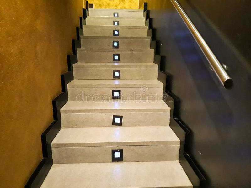 scale interne illuminate fotografia stock libera da diritti