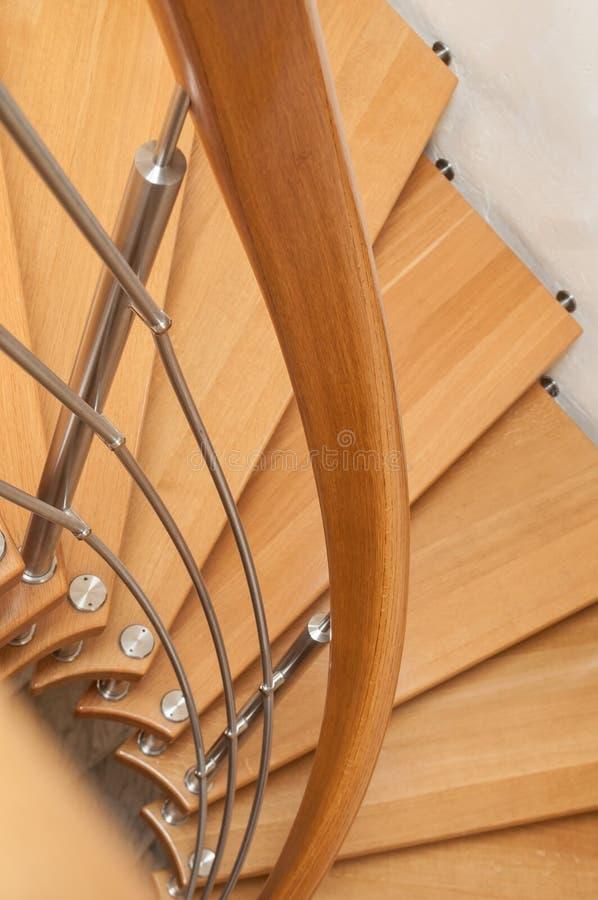 Scale a spirale di legno moderne fotografia stock