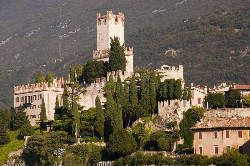 Scalieri slott i Malcesine på sjön Garda Italien arkivfoto