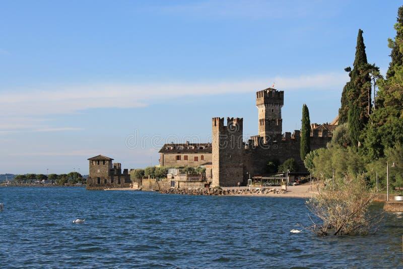 Scaligera forteca w Sirmione, Włochy obrazy royalty free