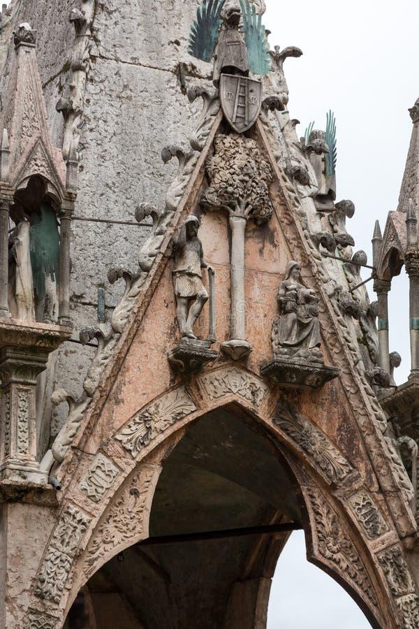 Scaligergraven, een groep van vijf gotische funerary monumenten die de Scaliger-familie in Verona vieren stock foto
