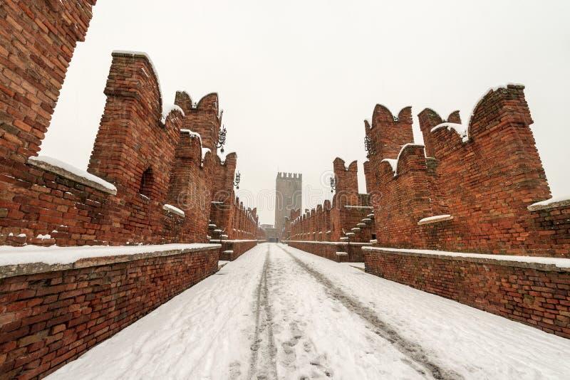 Scaligero-Brücke im Winter - Verona Italy lizenzfreie stockfotos