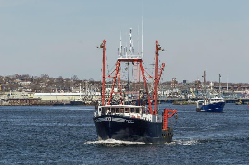 Scalloper Pyxis και άλλη πηγαίνοντας αλιεία βαρκών στοκ φωτογραφία με δικαίωμα ελεύθερης χρήσης