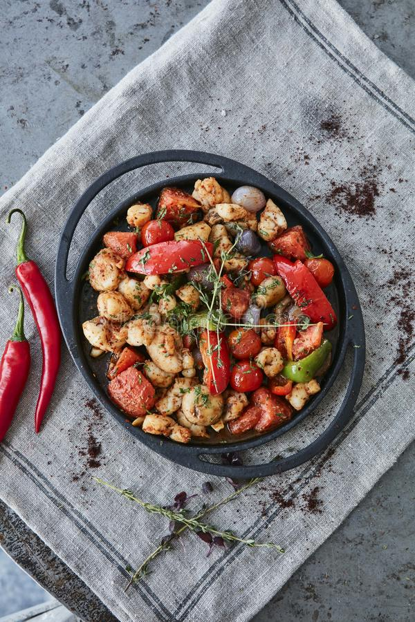 Scallops и креветки с chili стоковое изображение