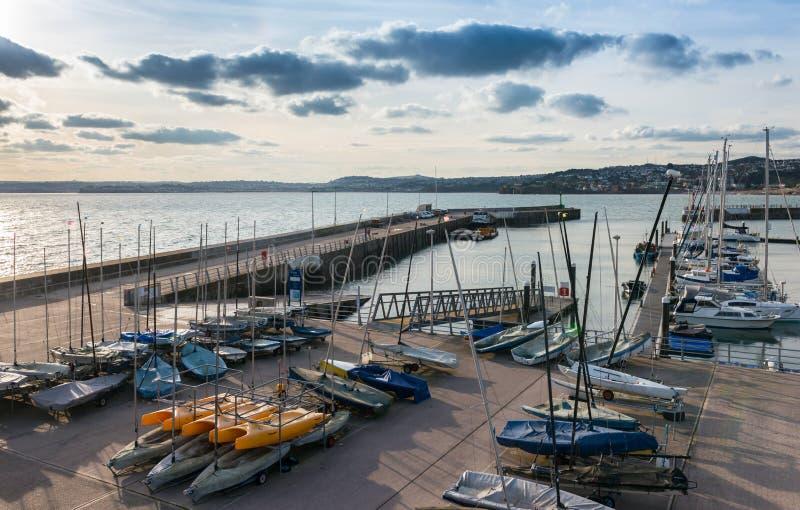 Scalo di alaggio al porto interno di Torquay immagine stock libera da diritti