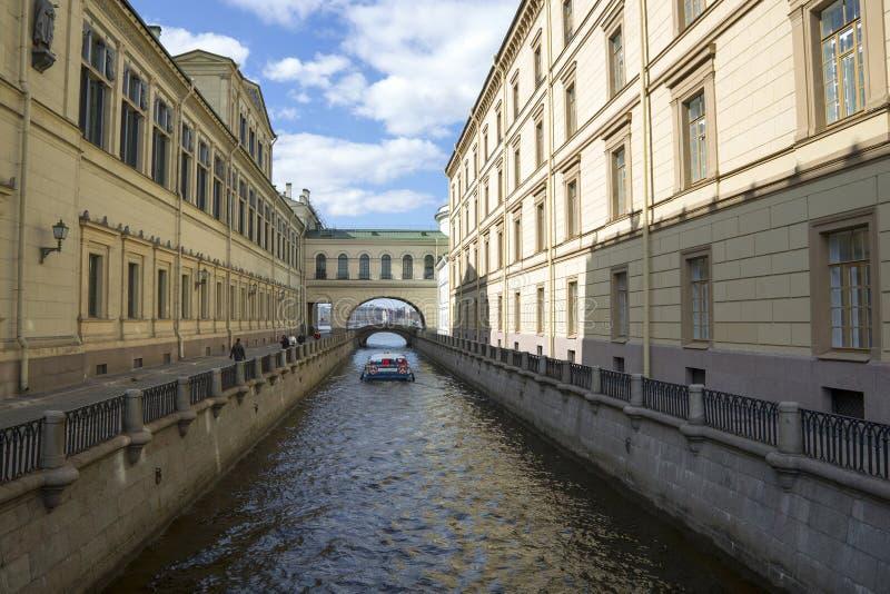 Scanalatura di inverno di Manica a St Petersburg fotografia stock