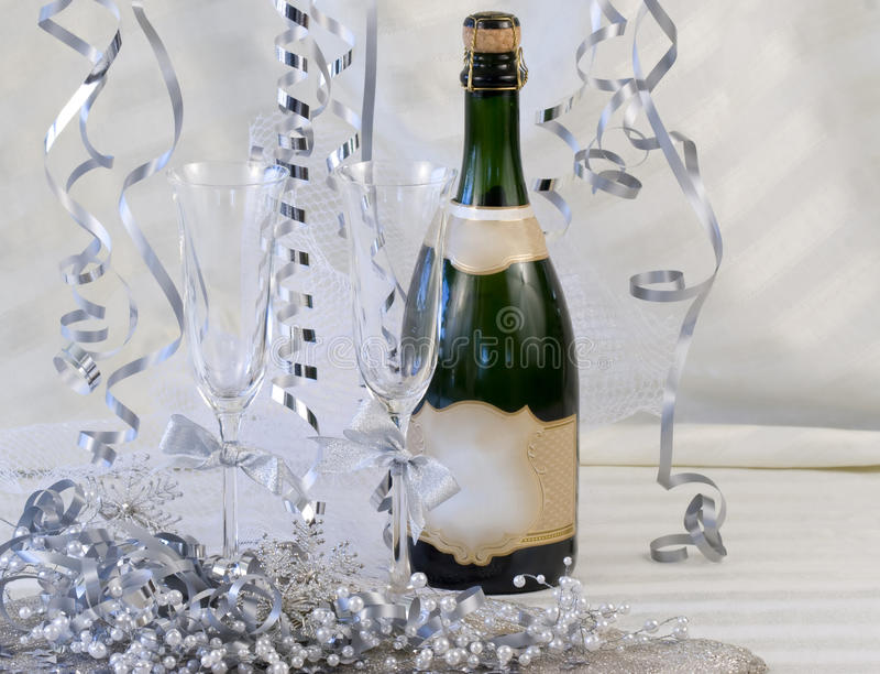 Scanalature di Champagne decorate fotografia stock libera da diritti
