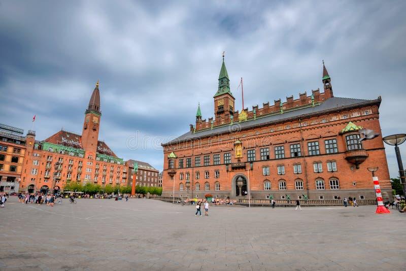 Scandic Palace Hotel en City Hall in Kopenhagen Denemarken stock afbeeldingen