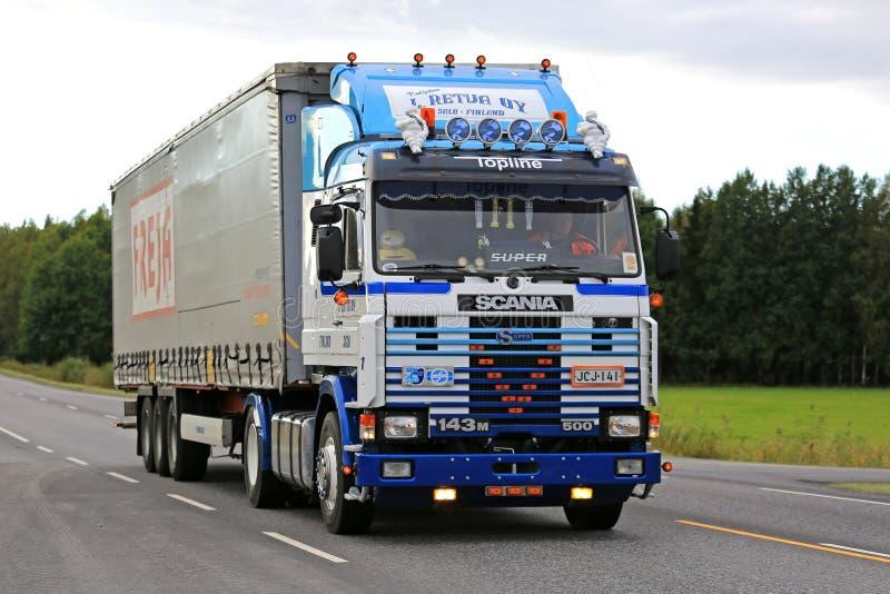 Scania modificado para requisitos particulares el 143M de L Transportador de Retva imagen de archivo