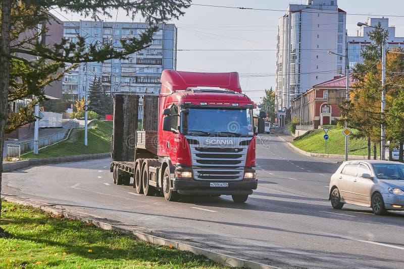 Scania-vrachtwagenaanhangwagen stock afbeeldingen