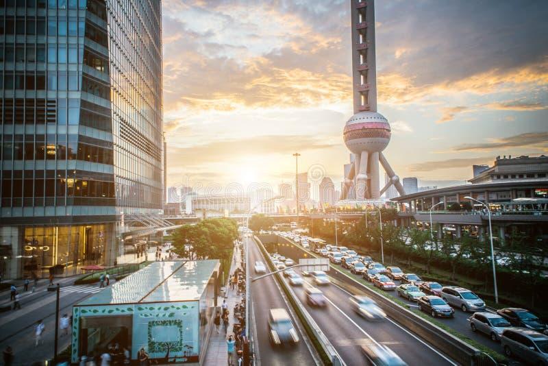 Scape города Шанхая во времени захода солнца Современная окружающая среда стоковые изображения rf