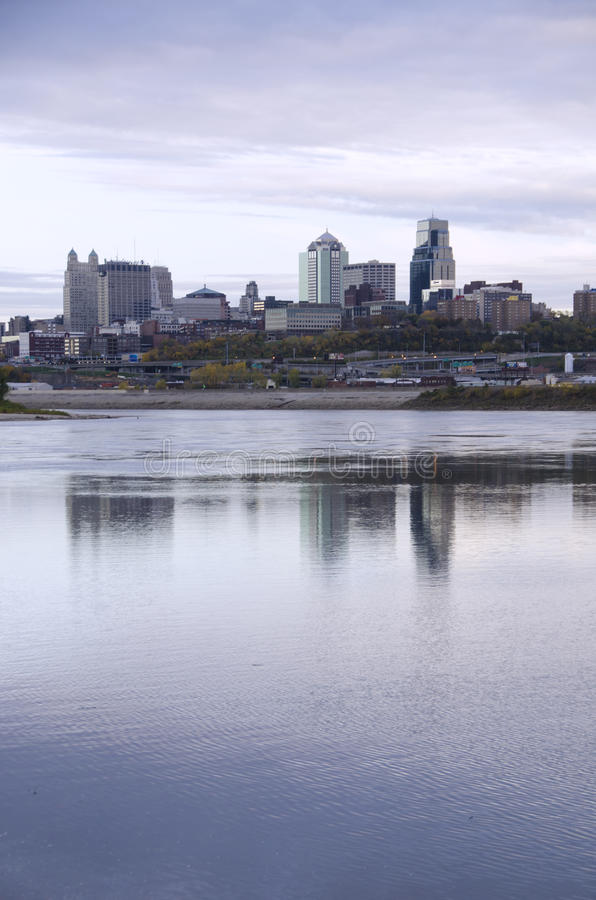 Scape города Kansas City Миссури стоковые фотографии rf