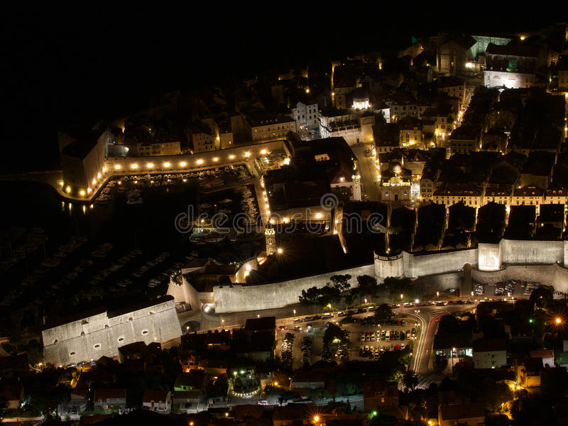 Scape ночи городка Дубровника старое стоковая фотография