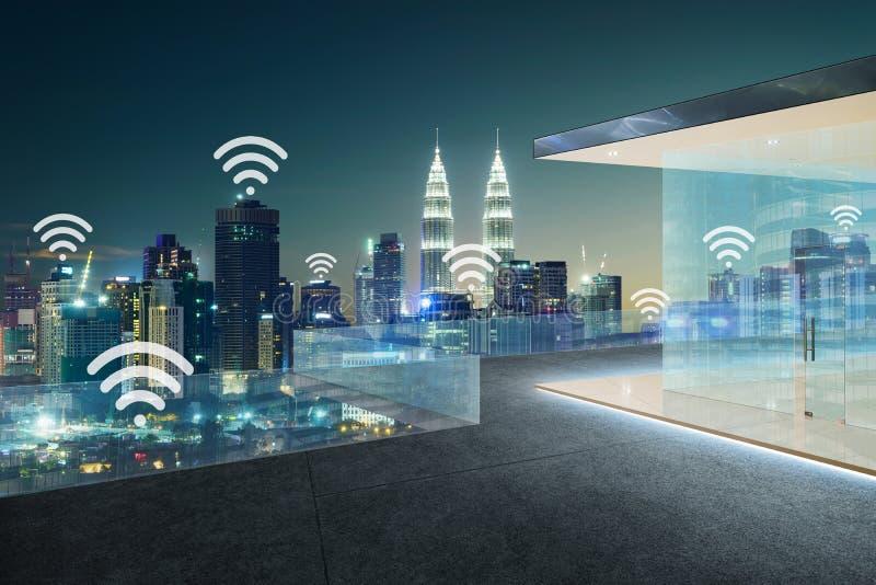 Scape da cidade e conceito da conexão de rede do wifi imagens de stock royalty free