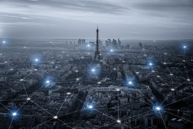 Scape da cidade e conceito espertos da conexão de rede, fotografia de stock royalty free