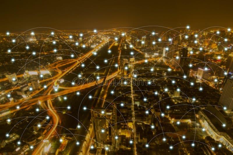 Scape de la ciudad de la noche y concepto de la conexión de red stock de ilustración