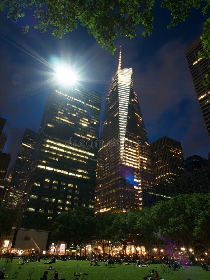 Scape de ville chez Bryant Park à Manhattan, photo libre de droits