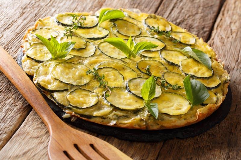 Scarpaccia è un primo piano delizioso della crostata dello zucchini orizzontale immagine stock libera da diritti