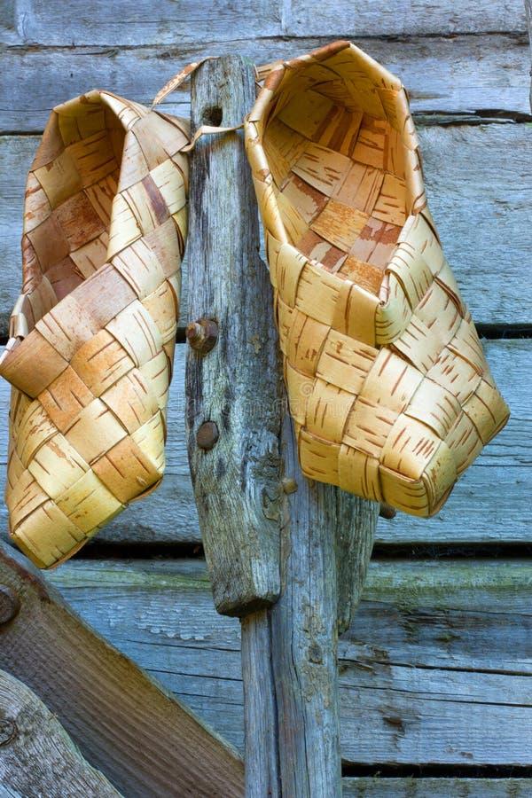 scarpe della corteccia di betulla immagine stock