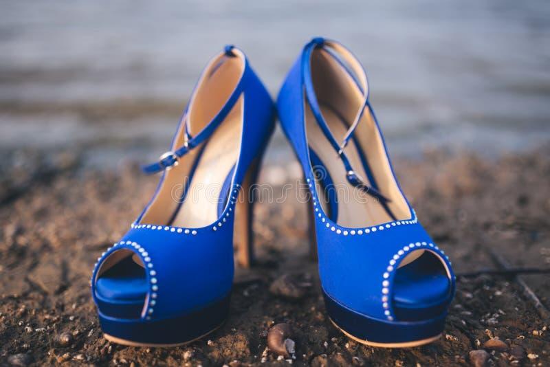 Scarpe di Cenerentola in blu fotografia stock libera da diritti