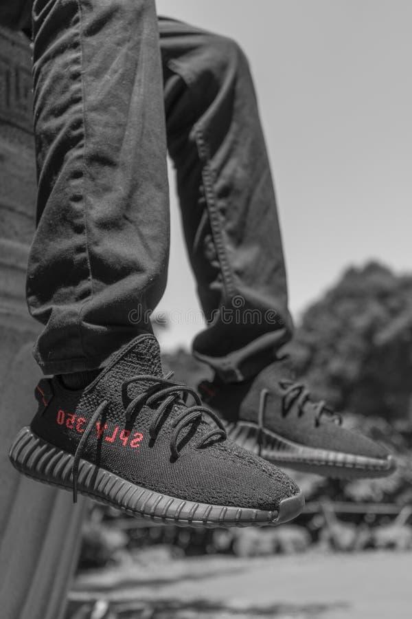 Scarpe di Yezzy immagini stock libere da diritti