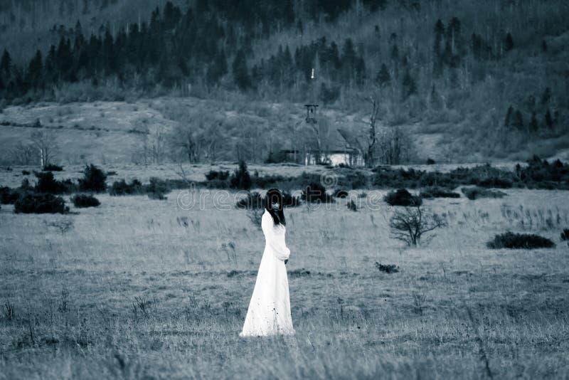 scary γυναίκα σκηνής φρίκης στοκ εικόνες με δικαίωμα ελεύθερης χρήσης
