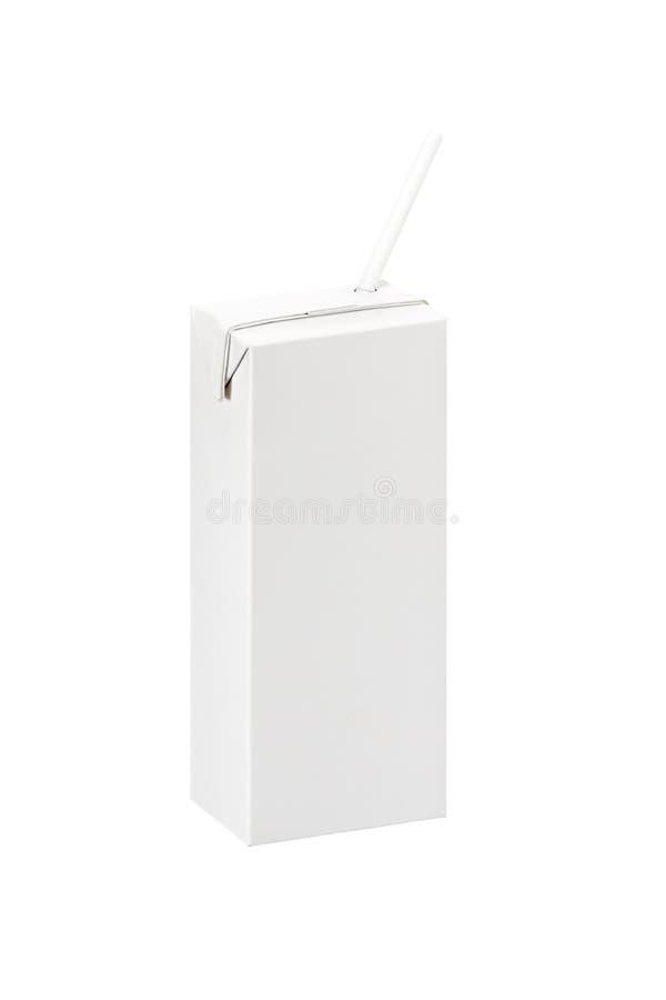 Scatola in bianco del pacchetto di latte o spremuta con paglia fotografie stock libere da diritti