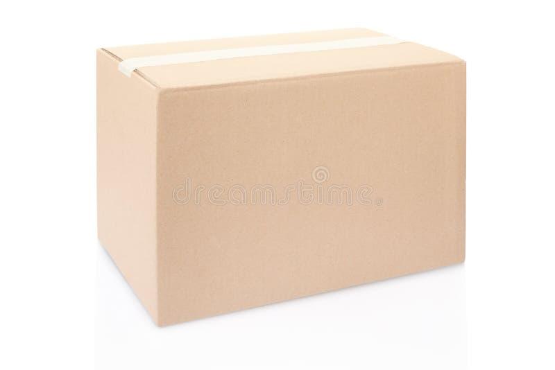 Scatola di cartone chiusa con nastro adesivo fotografia