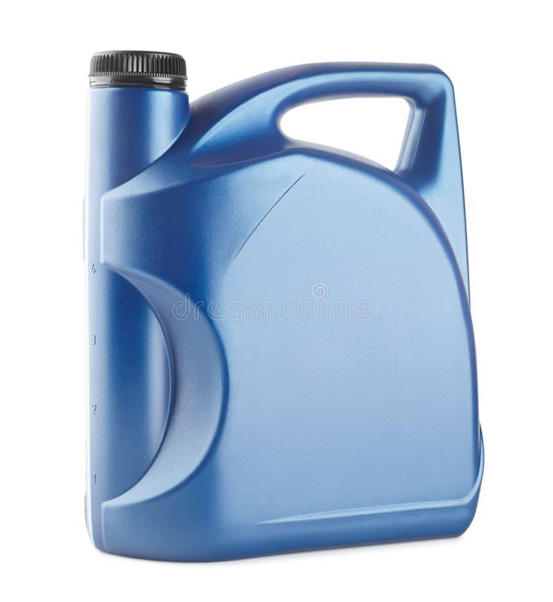 Scatola metallica di plastica blu per i lubrificanti senza etichetta, contenitore per i prodotti chimici isolati fotografia stock