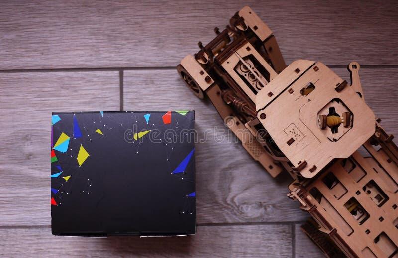 Scatola nera del quadrato per il regalo Dettagli e primo piano immagini stock libere da diritti