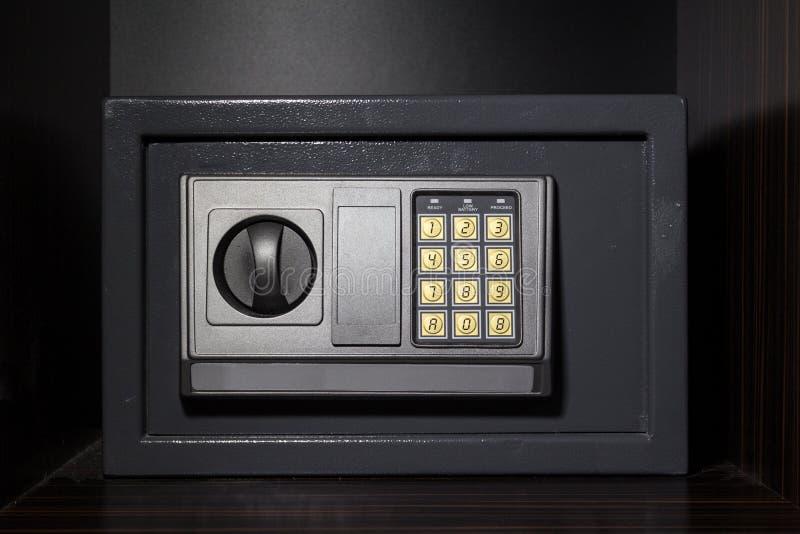 Scatola sicura dell'hotel con la serratura digitale fotografie stock
