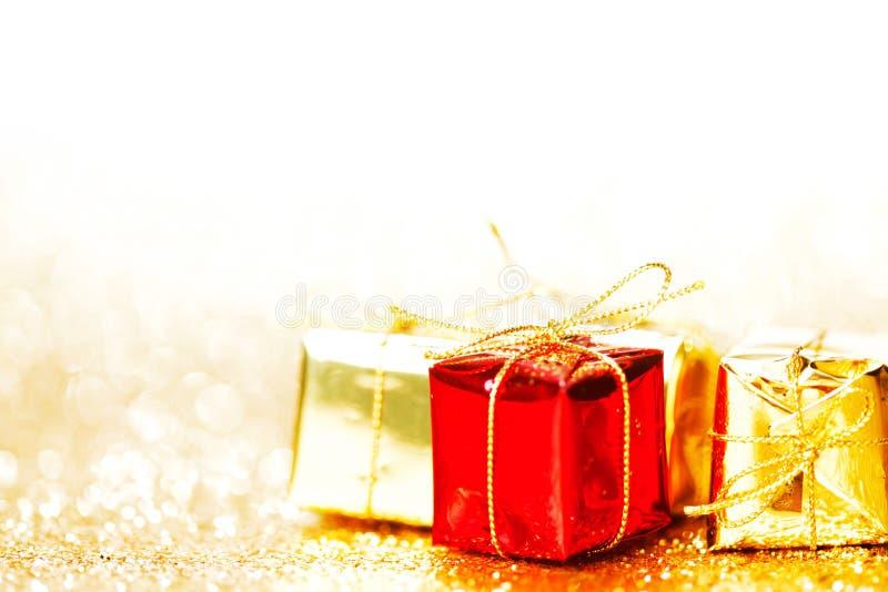 Scatole con i regali di festa immagine stock libera da diritti