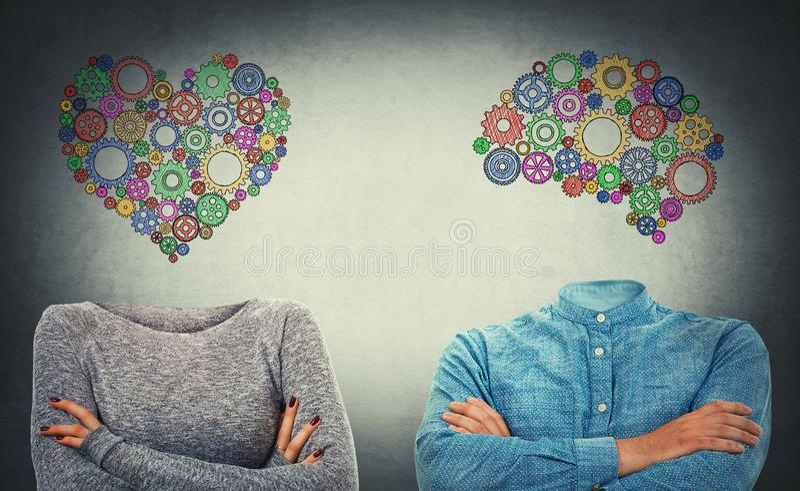 Scelga il cuore o la mente immagini stock